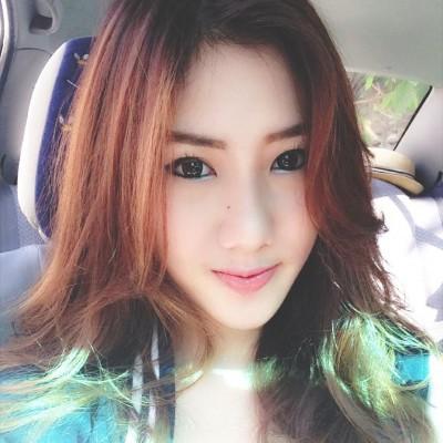 Net idol's nude selfie - Buun