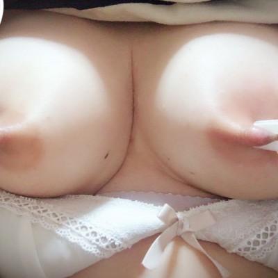 乳首に洗濯バサミ