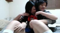 18歳の彼女とセーラールーズコス顔射SEX