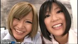 日本の女子高生ハードコアの足コキ