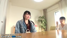 日本人18歳の女子高生初のフェラチオ体験