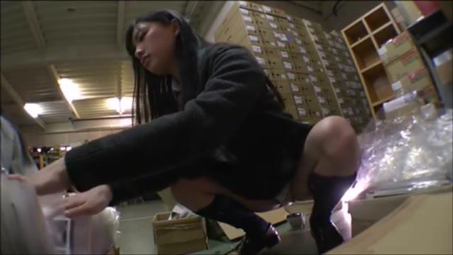 修学旅行の女子中学生が担任の先生からエッチないたずらをされてしまったの美少女動画