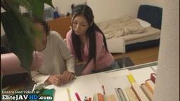 日本語教師がオタク学生を手伝う