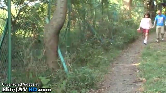 黒タイツの女子学生がキモいおっさんに跨って慣れない騎乗位腰振りの学生系動画