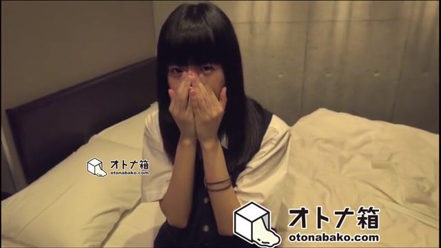 睡眠中の美少女が暗闇で生バックに喘ぎながら生フェラの学生系動画