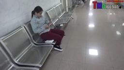 トイレに女の子をこっそりビデオ 1710