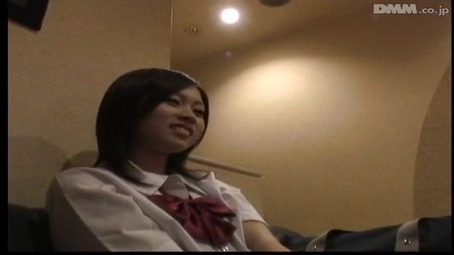 学校帰りの女子校生が激しい生正常位攻めにエッチな声が止まらないの校生系動画