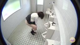 JK in 男子トイレ