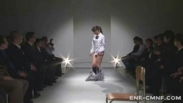 最近の女子高生が2段ベッドで変態男の夜這いでハメ倒されるの学生系動画