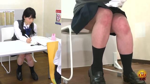 黒パンストの女子高生が一緒にお風呂場で全裸の濃厚ラブラブえっちのロリ系動画