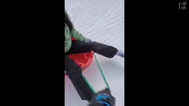 無 無垢な色白少女。雪山旅行の思い出。