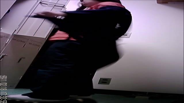 職場更衣室盗撮1
