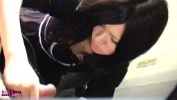 ピチピチ18歳の黒髪美少女!「ゆなちゃん」
